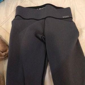 Black reversible leggings